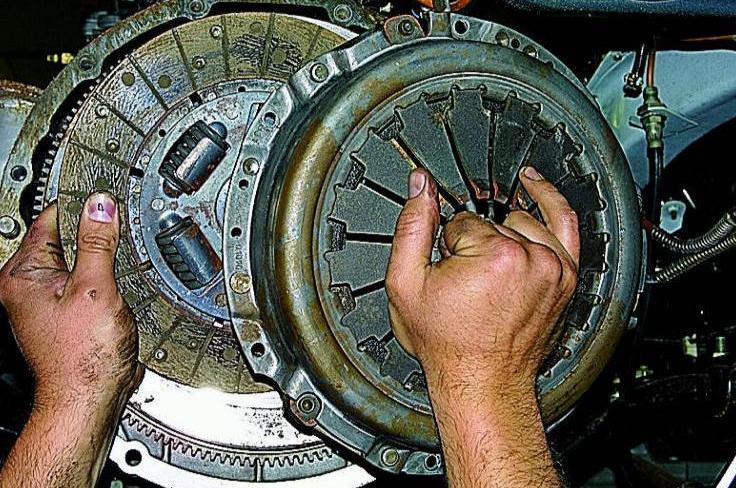Замена диска сцепления на газ 3110 своими руками 44
