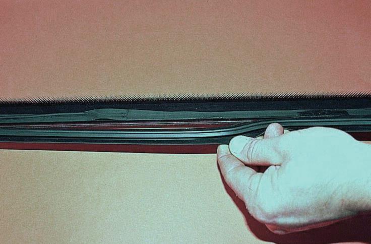 Молдинги на лобового стекла своими руками 23