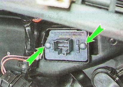 замена дополнительного резистора отопителя chevrolet aveo